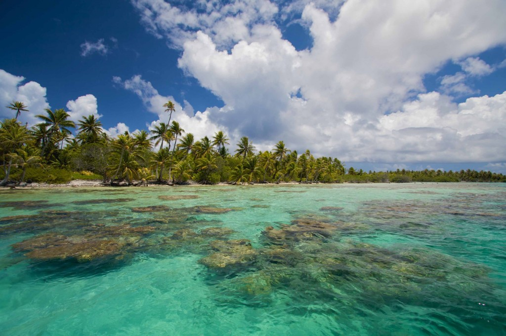 Isla-ahe-atoll-motu-french-polynesia-1