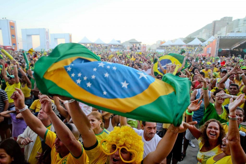 Celebración de los brasileños al enterarse de que su país será la próxima sede de la Copa del Mundo 2014. Copyright Embratur.